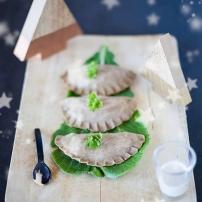 https://pommecassisblog.com/ravioles-de-sarrasin-aux-cepes-creme-truffee-vegetarien/