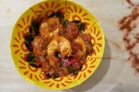 https://pommecassisblog.com/crevettes-compotee-de-poivrons-aux-amandes-sarsuela-revisitee/