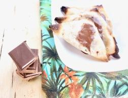 https://pommecassisblog.com/samoussa-poire-chocolat-noir-feuille-de-brick-ig-faible/