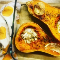 https://pommecassisblog.com/courge-butternut-rotie-au-chevre/